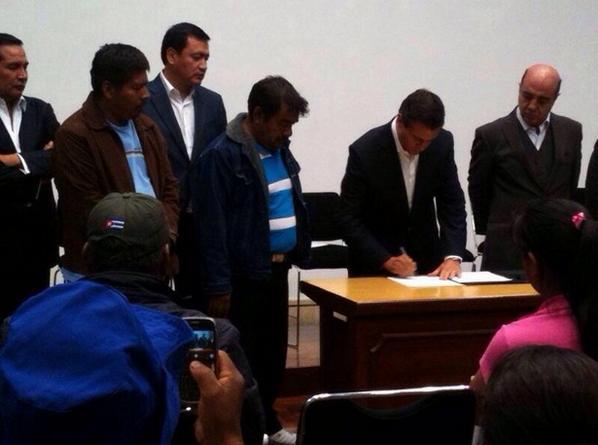 Documento firmado por @EPN con padres de Ayotzinapa